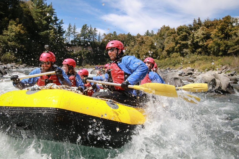 group rafting on the Tongariro River